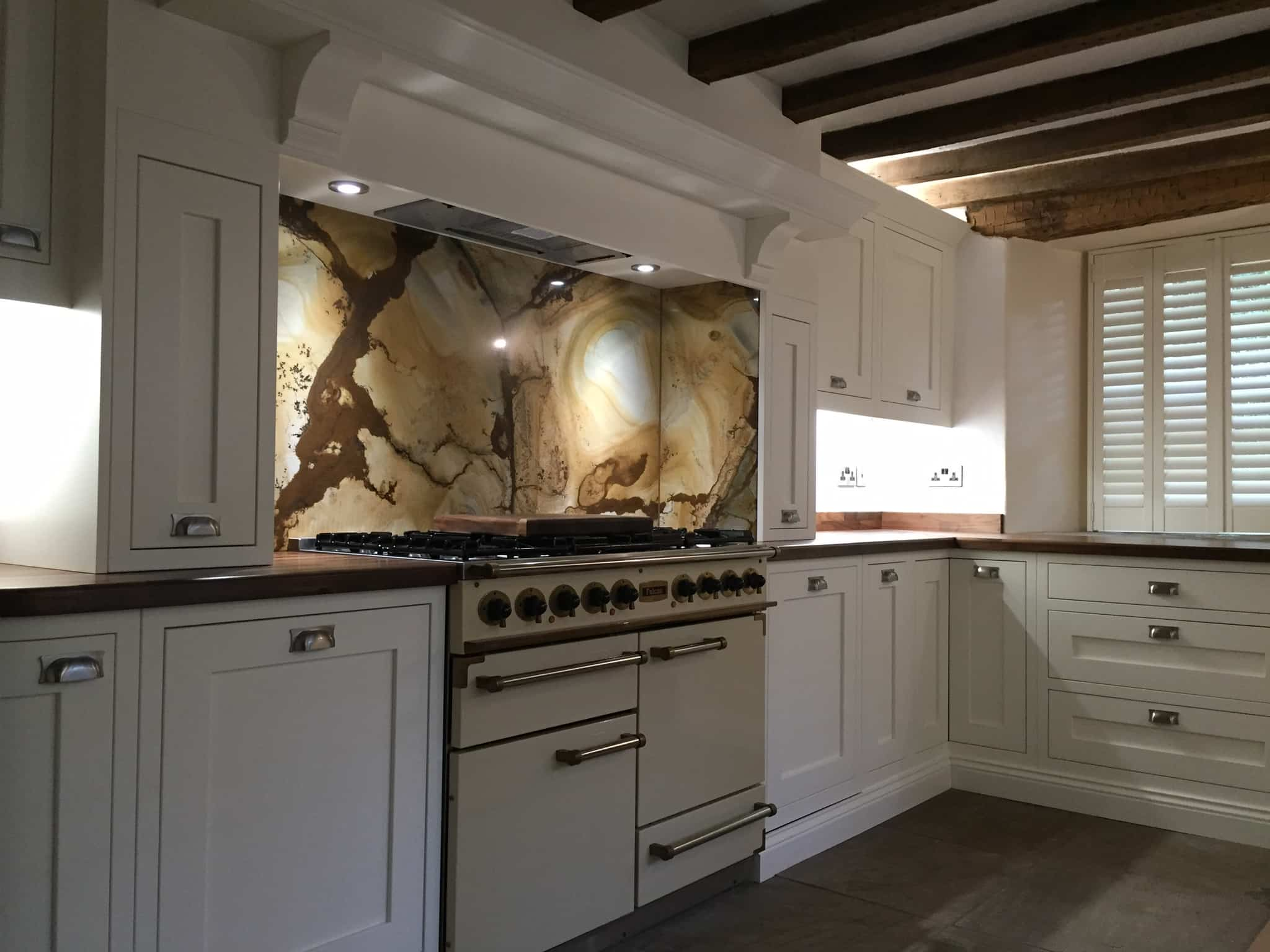 Quick quiz what type of kitchen suits you brook interiors a modern contemporary kitchenpoints0titleyou would like a warm traditional kitchenpoints0titleyou would like workwithnaturefo